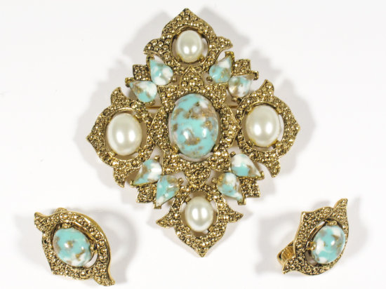 Signed Sarah Coventry Blue/Pearl Large Brooch and Earring Set