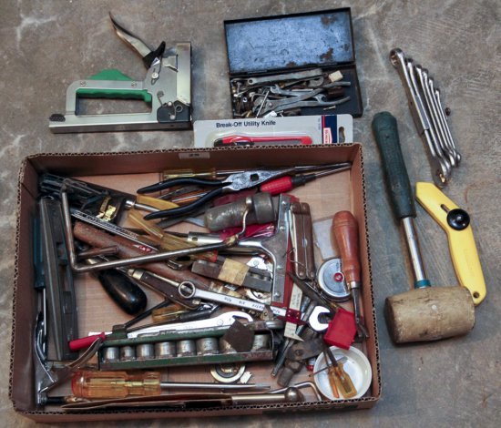 Box lot of assorted tools
