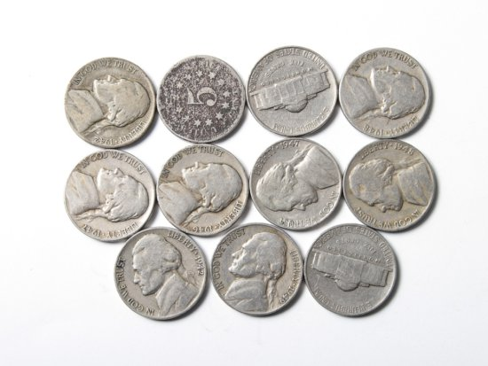 Lot: eleven circulated nickels