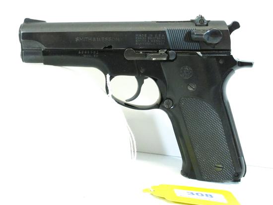 Smith and Wesson Model 59 Semi Auto 9mm