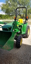 John Deere 3032e With D160 Front End Loader