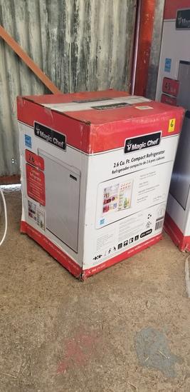 Magic Chef 2.6 Cu Ft Compact Refrigerator