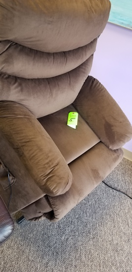 Recliner /w Stand Assist Power Lift System