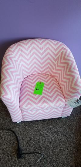 Coaster Fine Furniture Pink Chevron Kids Chair