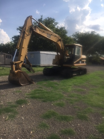 """Cat 312 Excavator With 42"""" Tooth Bucket And Thumb, Sn 7dk06954"""