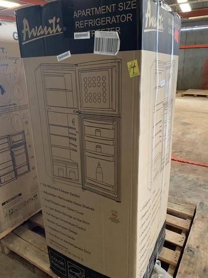 Avanti Apartment Size Refrigerator/freezer