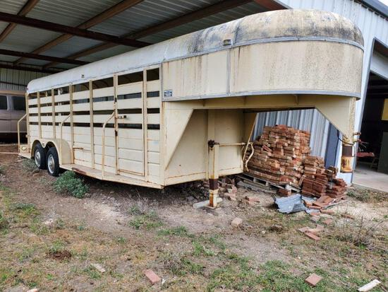 Bruton Easy Pull Trailer 18' Cattle Trailer