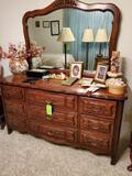 Dixie Dresser