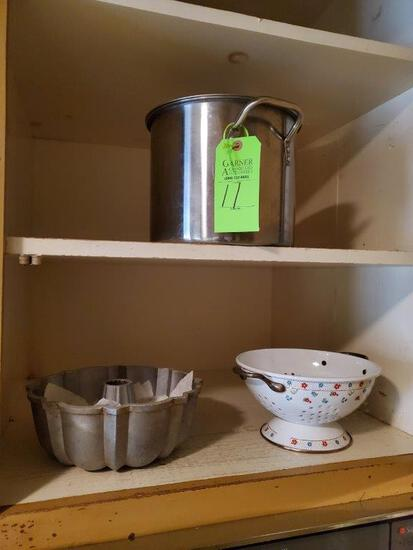 Colander, Bunt Pan, Stock Pot