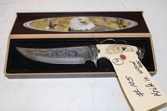 Eagle knife in wood case