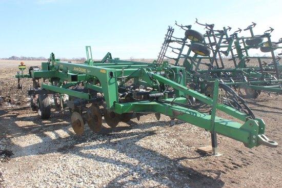 John Deere 2700 soil management system