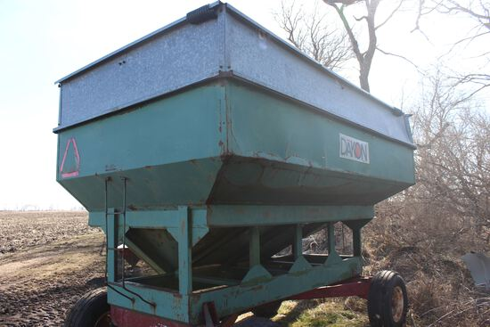 Dakon gravity wagon w/Stanhoist gears, 300 bu