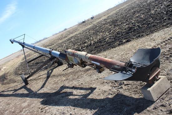 "Snow Co. 50'x8"", hand crank auger"