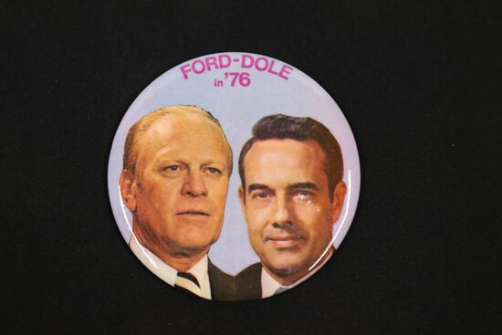 Ford/Dole 1976 Large Pin-Back