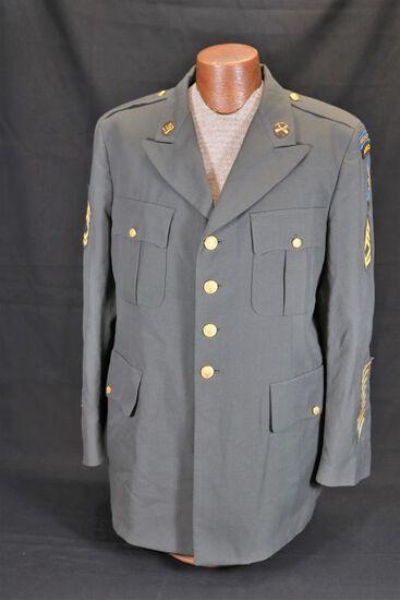 Vintage US Army Green Beret Tunic/Uniform