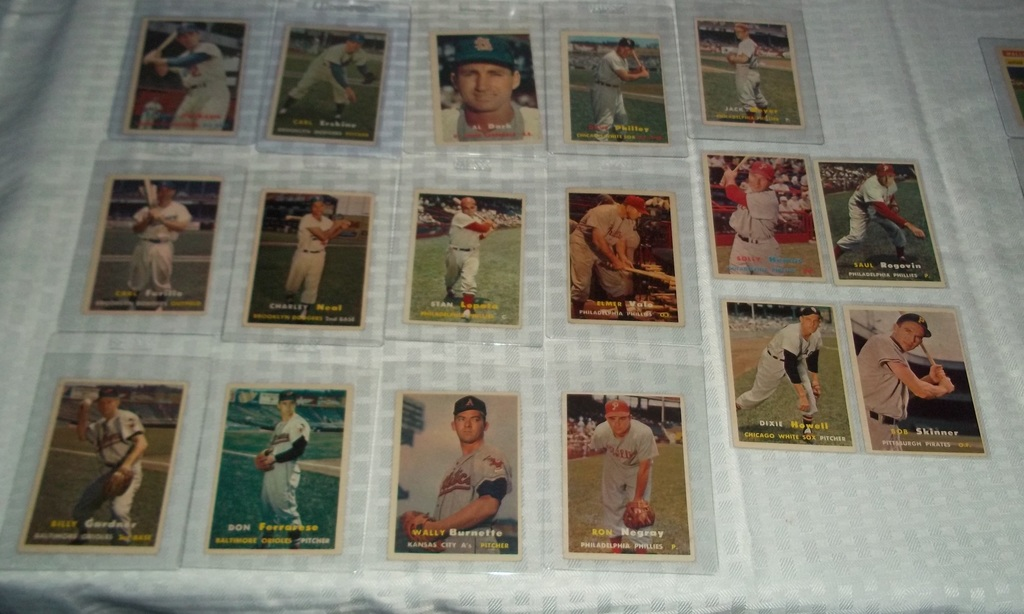 Lot 17 Different Vintage 1957 Topps Baseball Card Lot Really Nice