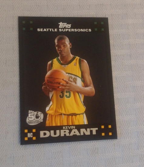 2007 Topps NBA Basketball Kevin Durant Rookie Card RC