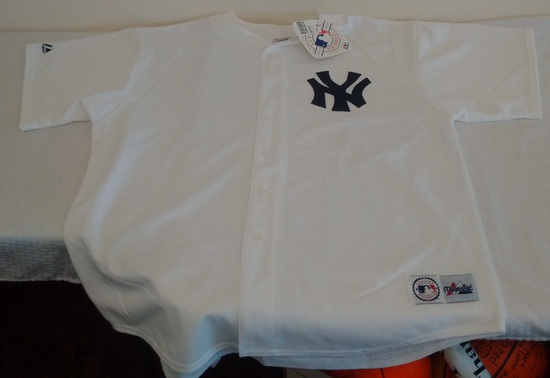 Brand New w/ Tag New York NY Yankees Button Down MLB Baseball White Jersey XXL Blank Bank