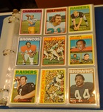 Vintage 1972 Topps NFL Football Card Album 207 Cards Stars