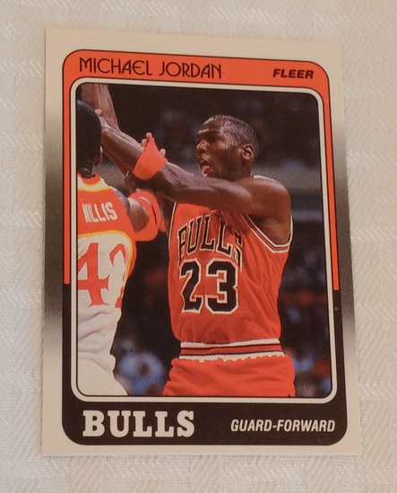 Key Vintage 1988-89 Fleer NBA Basketball Card #17 Michael Jordan 3rd Year Bulls HOF