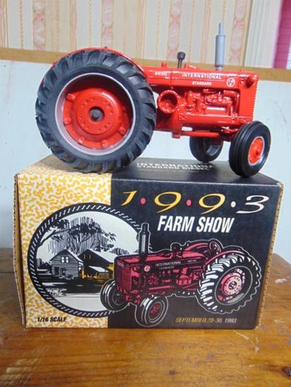 Sept. 28/30 1993 Farm Toy Show Ed. International Standard Diesel, ID-9