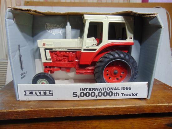5,000,000th International 1066 S.E. Toy Tractor, NIB, 1/16 Scale