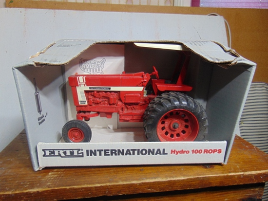 International Hydro 100 with ROPS S.E. Toy Tractor, NIB, 1/16 Scale