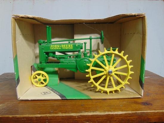 1934 John Deere Model A Toy Tractor NIB, 1/16 Scale