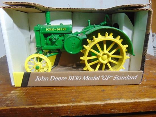 John Deere 1930 Model GP Standard Toy Tractor, NIB, 1/16 Scale