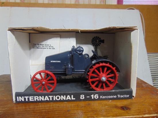 International 8-16 Kerosene Toy Tractor NIB, 1/16 Scale