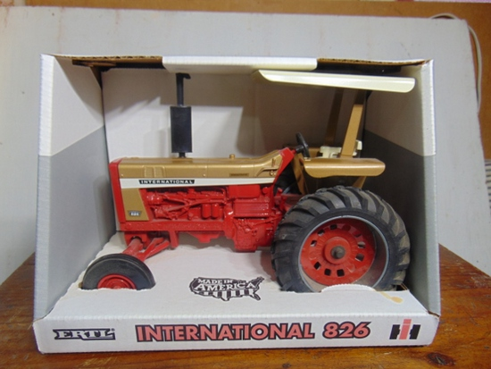 International 826 Gold Demonstarator, NIB, Toy Tractor, 1/16 Scale