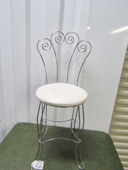 Very Nice Ice Cream Parlor Or Vanity Chair