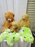 Lot Of 5 Large Plush Toys And The Dog Is Animated