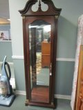 4 tier Glass/Wood China/Curio Cabinet Stained Wood, Curved Motif