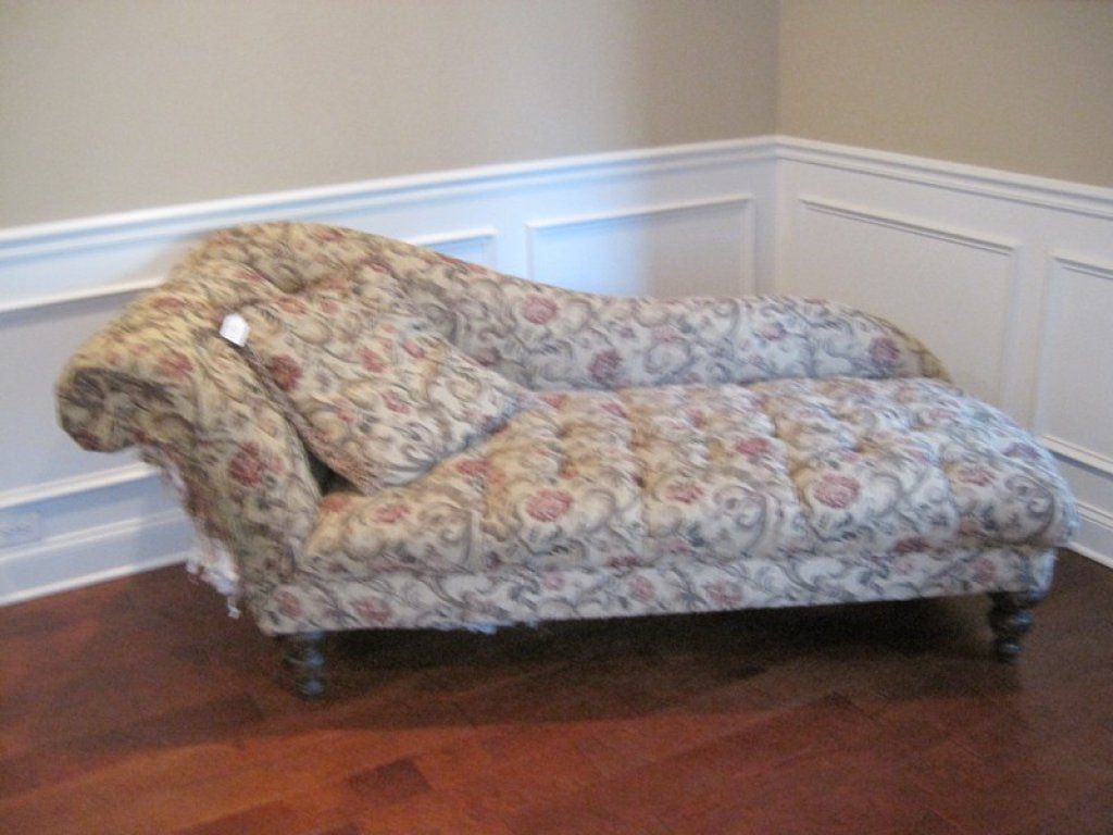 Fainting Couch with Rolled Arm Traditional Design Diamond Tufted Upholstery