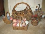 Lot - Large Vine Split Oak & Other Baskets, Decorative Fabric Spheres & Baby's Breath