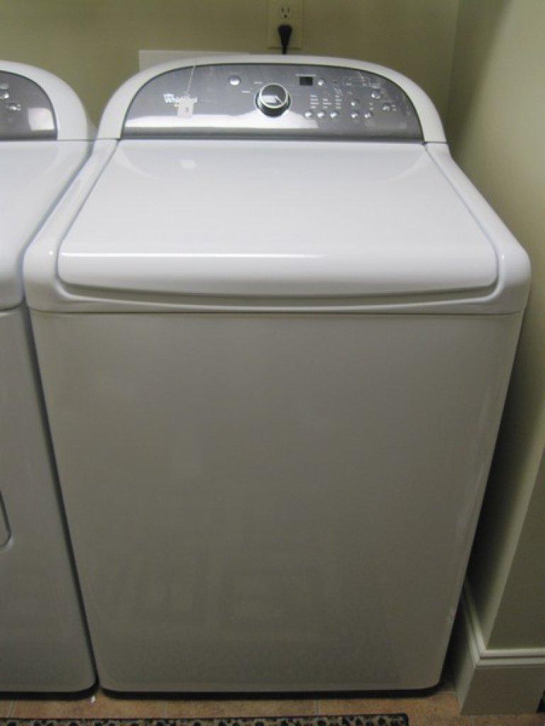 White Whirlpool Cabrio Platinum Eco Monitor Washing Machine
