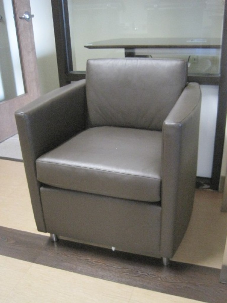 Bernhardt furniture oxford collection lounge leather chair