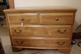 Wooden 2-Over-2 Drawer Dresser Bracket Feet w/ Metal Pulls/Handles