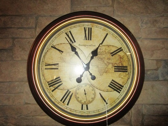 Vintage Design Round Wall Mounted Wall Clock, Wood Frame