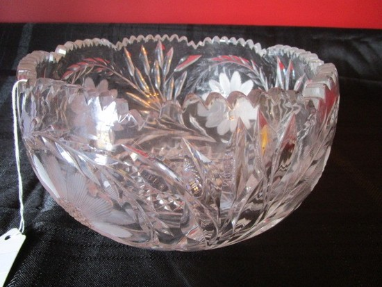 Crystal Glass Bowl Etched Wheat/Floral Pattern Pinwheel Base, Saw-Tooth Rim