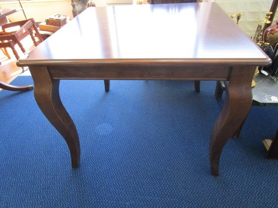 Extendable Wooden Dining Table Curved Legs w/ Grooved Molding, 1 Leaf
