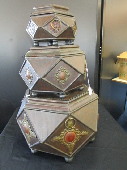 3 Hexagonal Wooden Storage Boxes, Antique Patina/Design Metal Finial