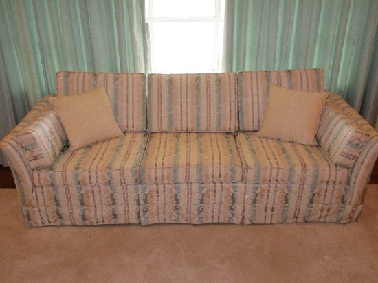 Traditional Formal Sofa w/ 2 Accent Pillows & Pleated Skirt Trim