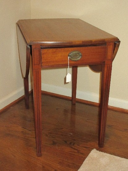 Mahogany Brandt Furniture Of Character Pembrooke Style Drop Leaf 1 Drawer End Table