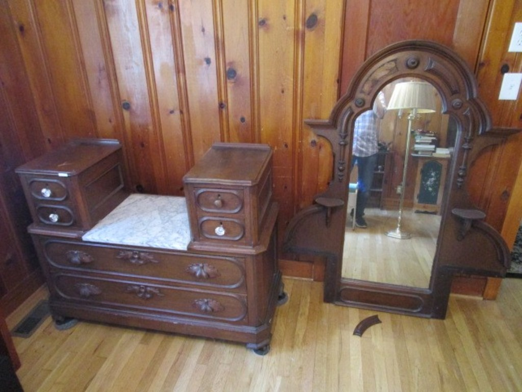 Vintage Wooden Vanity w/ Mirror Back, 6 Drawers Oval Design, 4 w/ Clear Plastic Pulls