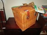 Picnic Time Vino Picnic Basket Wicker w/ Clasp Straps