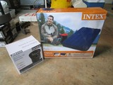 Intex Classic Downing Twin Inflatable Bed w/ Quick-Fill Battery Pump