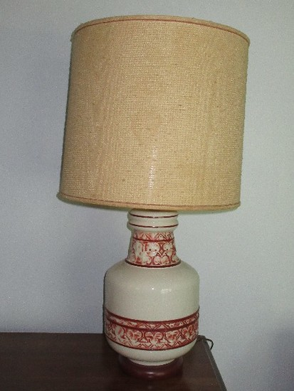 Ethan Allen Colonial Collection Porcelain Table Lamp w/ Relief Classic Band Design