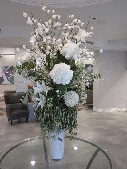 Exquisite Floral Arrangement in Glass Cylinder Vase w/ Faceted Crystal